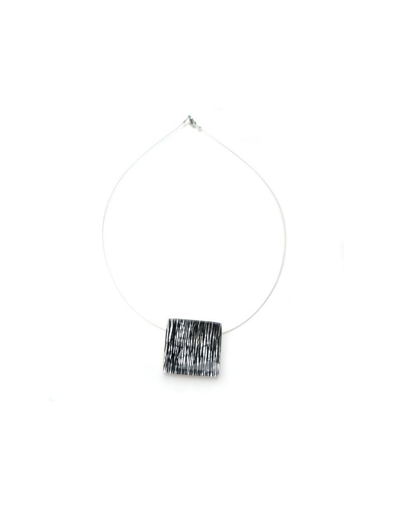 Collier carré fibre noir