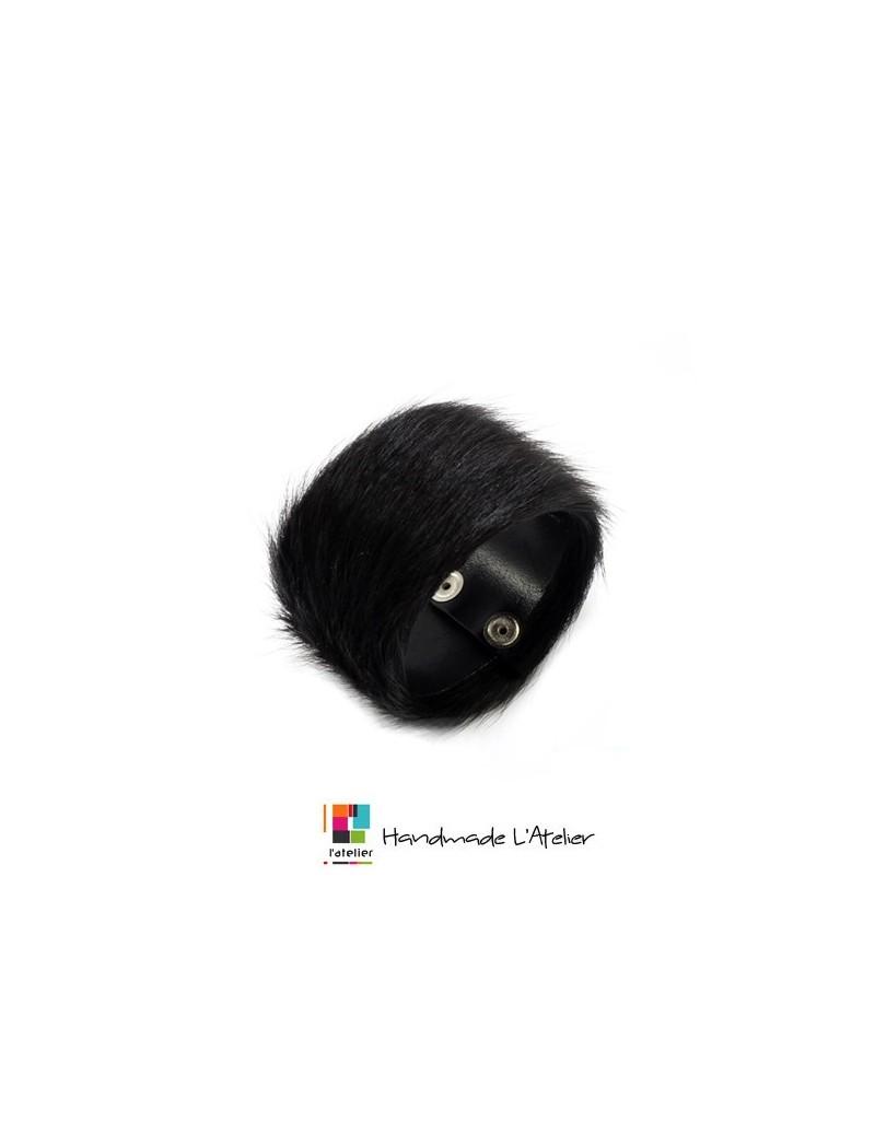 Bracelet en fourrure noire