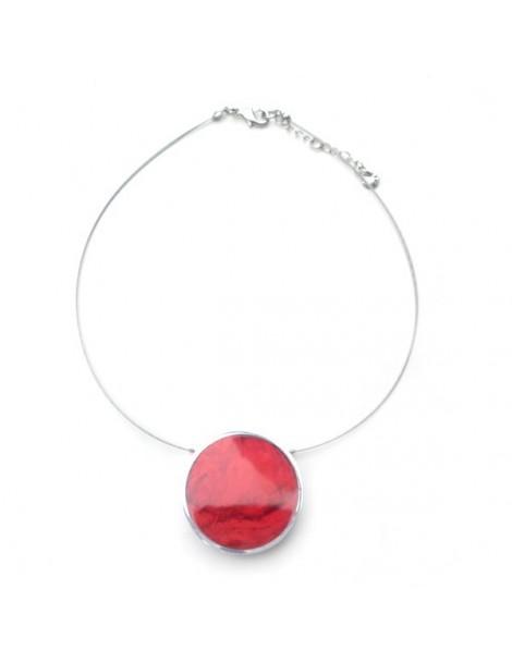 Long collier à plumes rouge, orange, brune, métal doré et perles