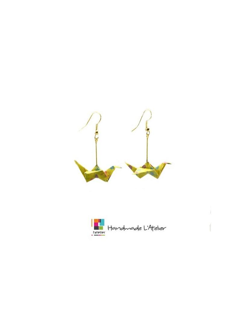 Boucles d'oreille jaune...