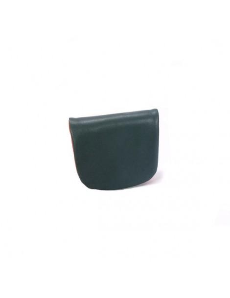 Collier en métal argenté et perles colorées