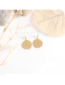 Collier perles en résine colorée sur câble en acier